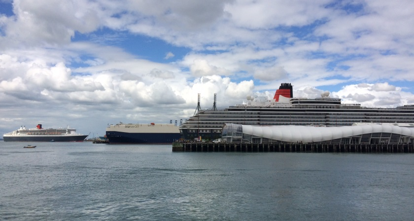 Queen Victoria and Queen Mary 2 in Auckland