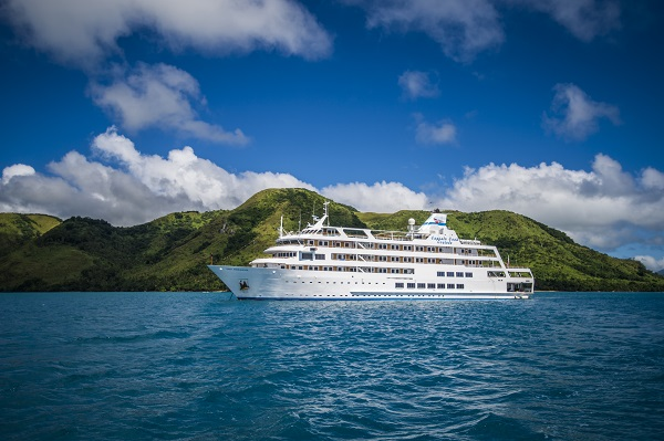Captain Cook Fiji Cruises Reef Endeavour new zealand Across NZ