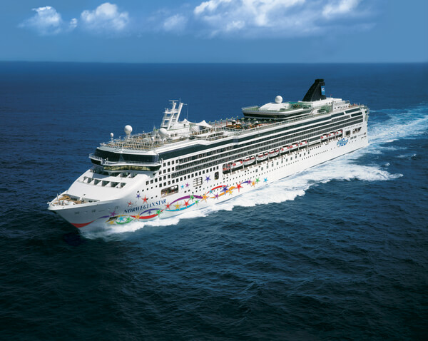 Norwegian Cruise Line Norwegian Star new zealand Across NZ