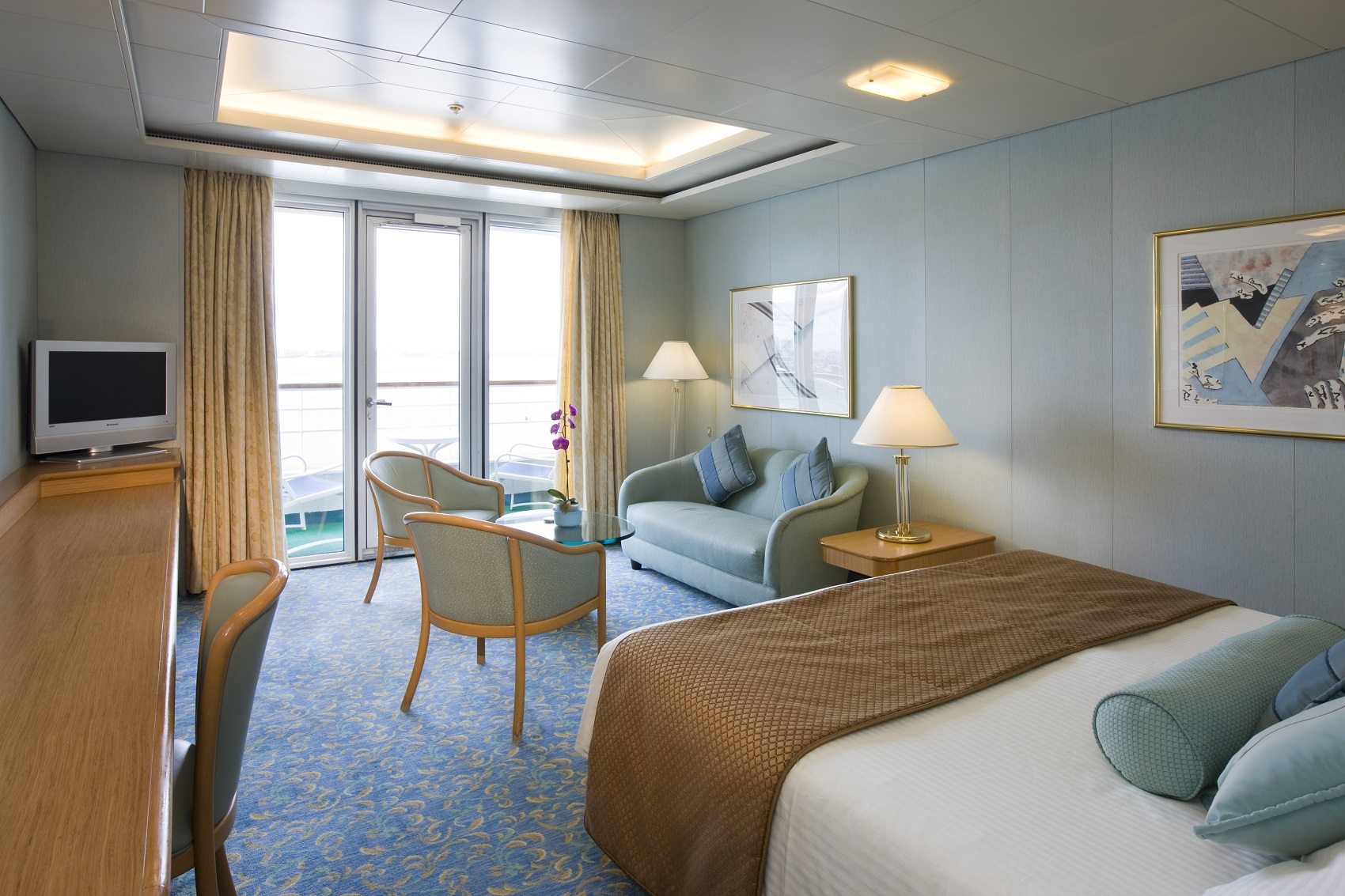 P o pacific dawn family cruises australia for Balcony lounge