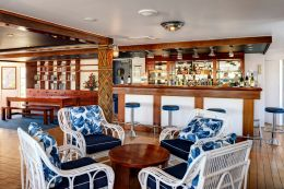 Middle Orchid Deck Saloon Bar