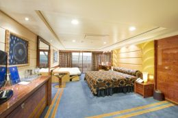 Disabilities or reduced mobility cabins - Deluxe Suite MSC Yacht Club