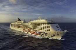 Norwegian Cruise Line Pride of America australia senior cruises