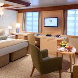 Caribbean Princess Suite with Window