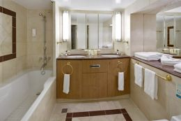 Grand Suite - Bathroom