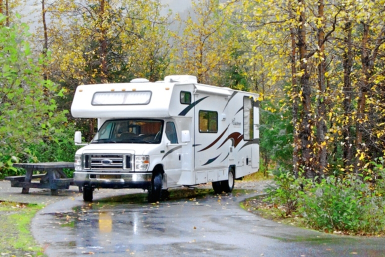 Camper1 Alaska 28ft Class C Freelander Gold