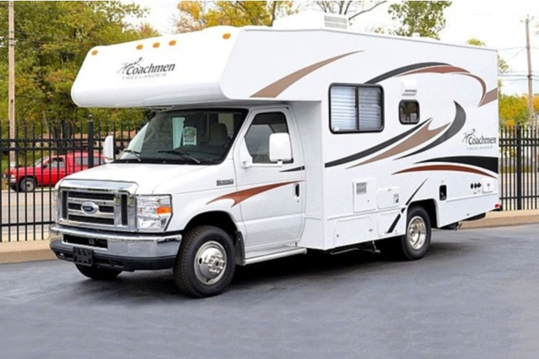 20ft class c gold rv rental usa for Used motor homes class c