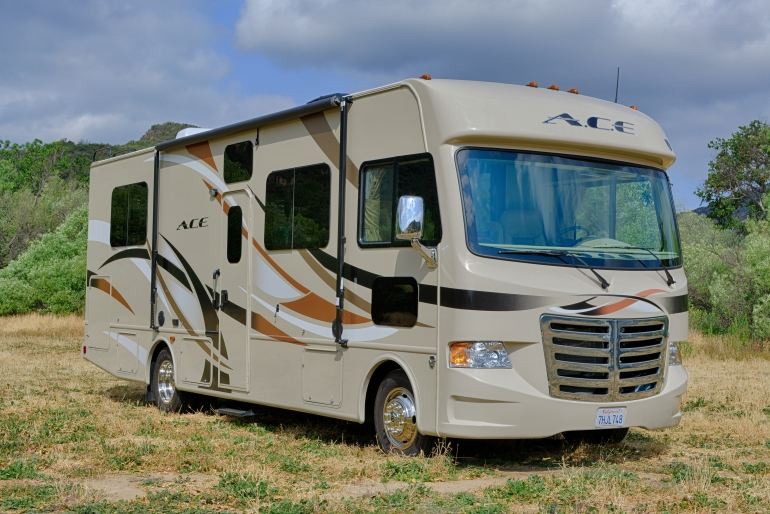 Road Bear RV International 29-32 ft Class A Motorhome with slide out