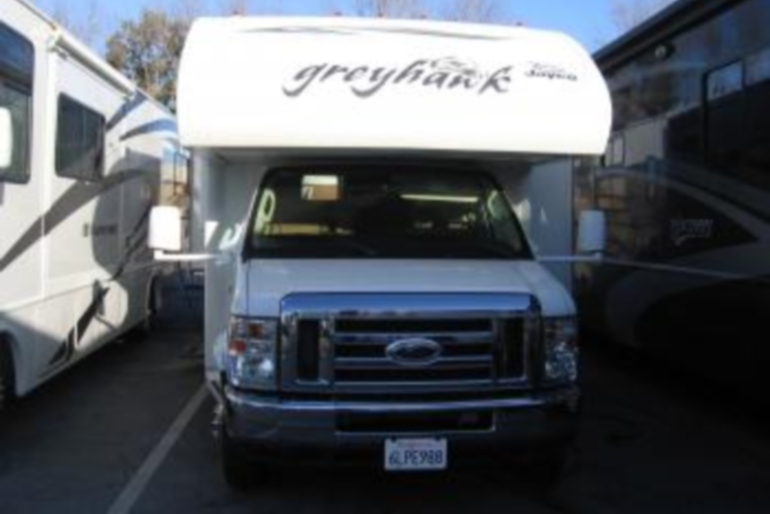 Expedition Motorhomes, Inc. 32 ft Class C Jayco Greyhawk W/2 Slide outs