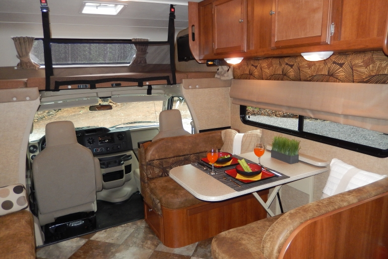 27 30 Ft Class C Motorhome With Slide Out Motorhome