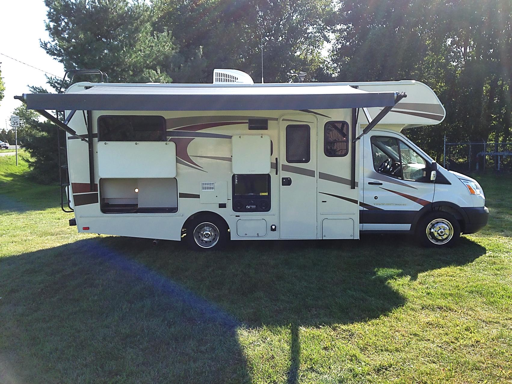 23ft Class C Coachmen Freelander Micro Y Motorhome Rental California