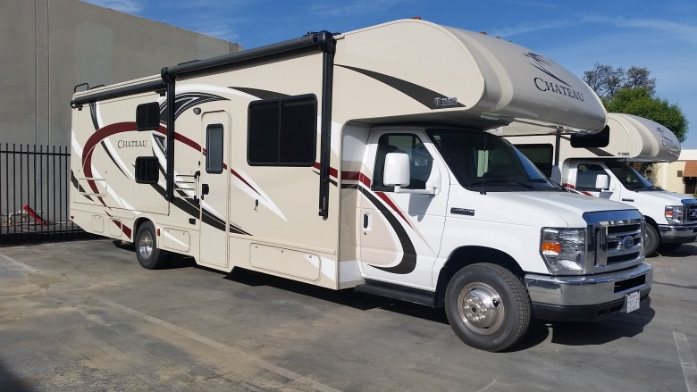 Expedition Motorhomes, Inc. 33ft Class C Thor Chateau w/2 Slide outs A