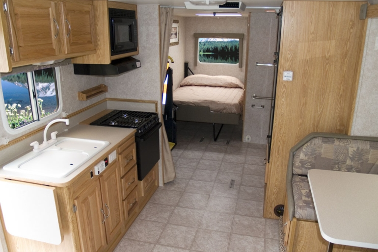 Mh 27sw Wheelchair Accessible Rv Rental Canada