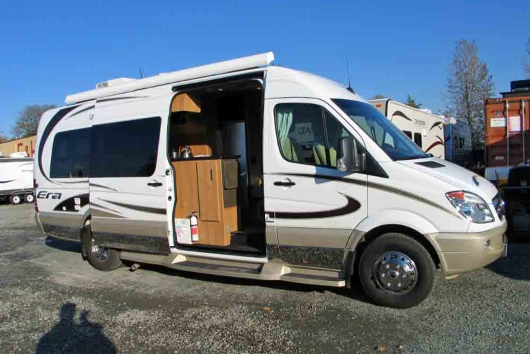 era van mercedes rv rental canada