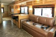 Traveland RV Rentals Ltd 29' Class A Motorhome rv rental canada