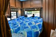 Road Bear RV International 21-24 ft Class C Non-Slide Motorhome rv rental san francisco