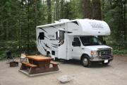 Happy Holidays Motorhomes 24' - 25' Motorhome rv rental canada