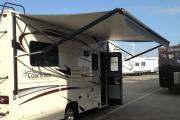 Expedition Motorhomes, Inc. 25ft Class C Coachmen Freelander D rv rental usa