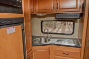 Cruise Canada C19 - Compact Motorhome rv rental montreal
