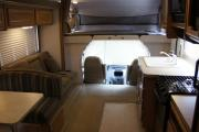 Expedition Motorhomes, Inc. 31ft Class C Fleetwood Jamboree w/1 Slide out