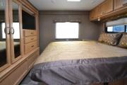 Expedition Motorhomes, Inc. 33ft Class C Thor Chateau w/2 Slide outs Aq