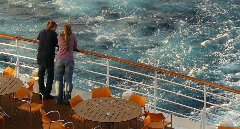 How to Save Money Onboard a Cruise