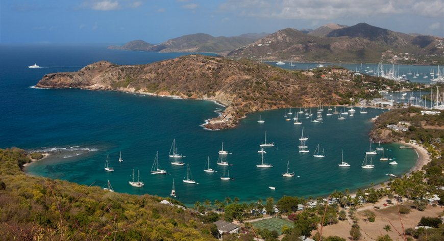 Antigua Cruises: Tropical Relaxation