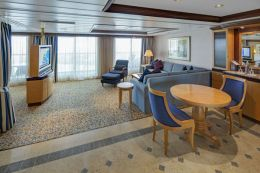 Owner's Suite - Living Room