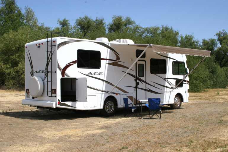 30-32 Ft Class A Motorhome With Slide Out - Rv Rental Usa