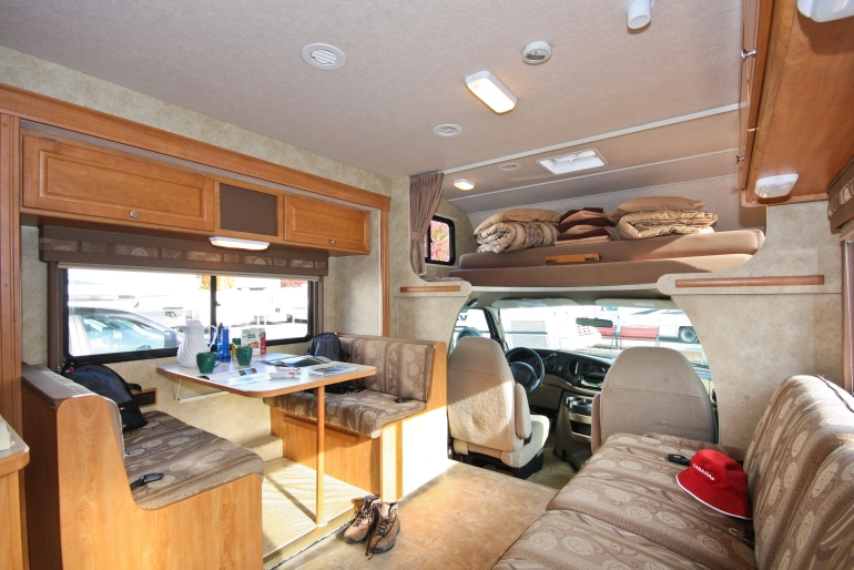 ... Real Value RV Rental Canada C XLarge   MH 29/31S Motorhome ...