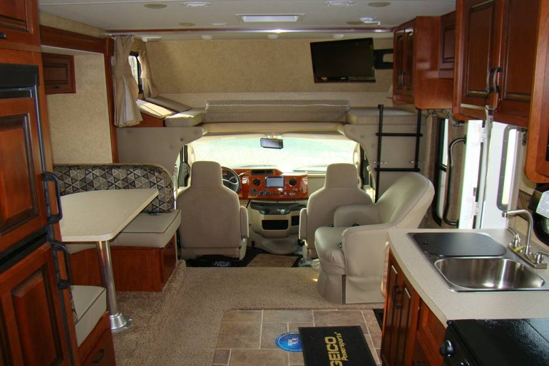 Hamilton Gas Prices >> Class C 23' No Slideout Premium - Motorhome Rental Worldwide
