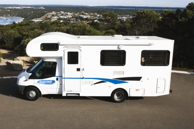 Cheapa Campa AU Domestic 6 Berth Motorhome