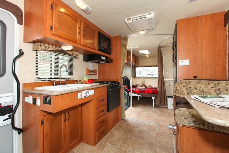 Mh 27sw wheelchair accessible rv rental canada for Wheelchair accessible homes for sale near me