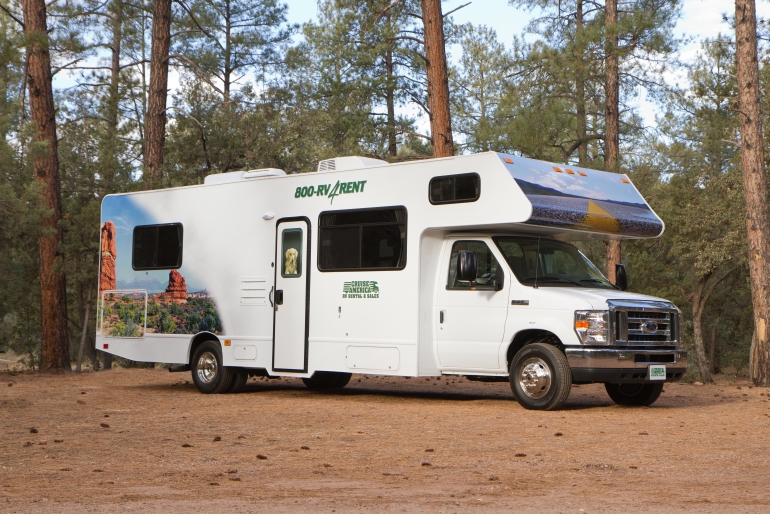 C30 large motorhome rv rental canada for Motor homes to rent