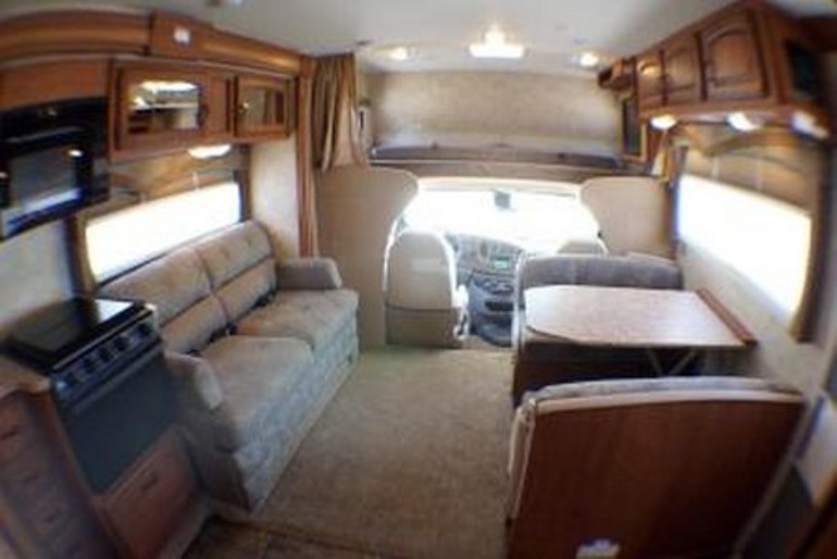 C28 C30 Slide Out Motorhome Rv Rental Canada