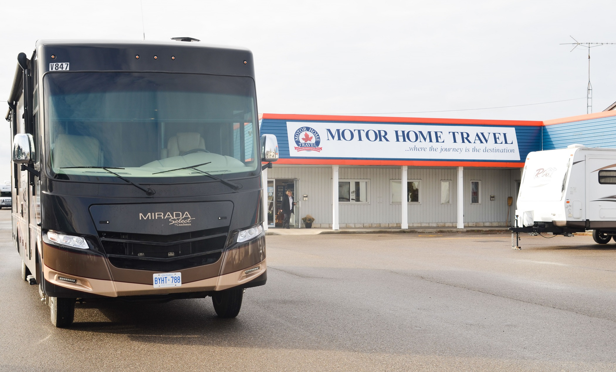 Motor Home Travel Canada Inc MHLUX 37' Class A with Slideouts