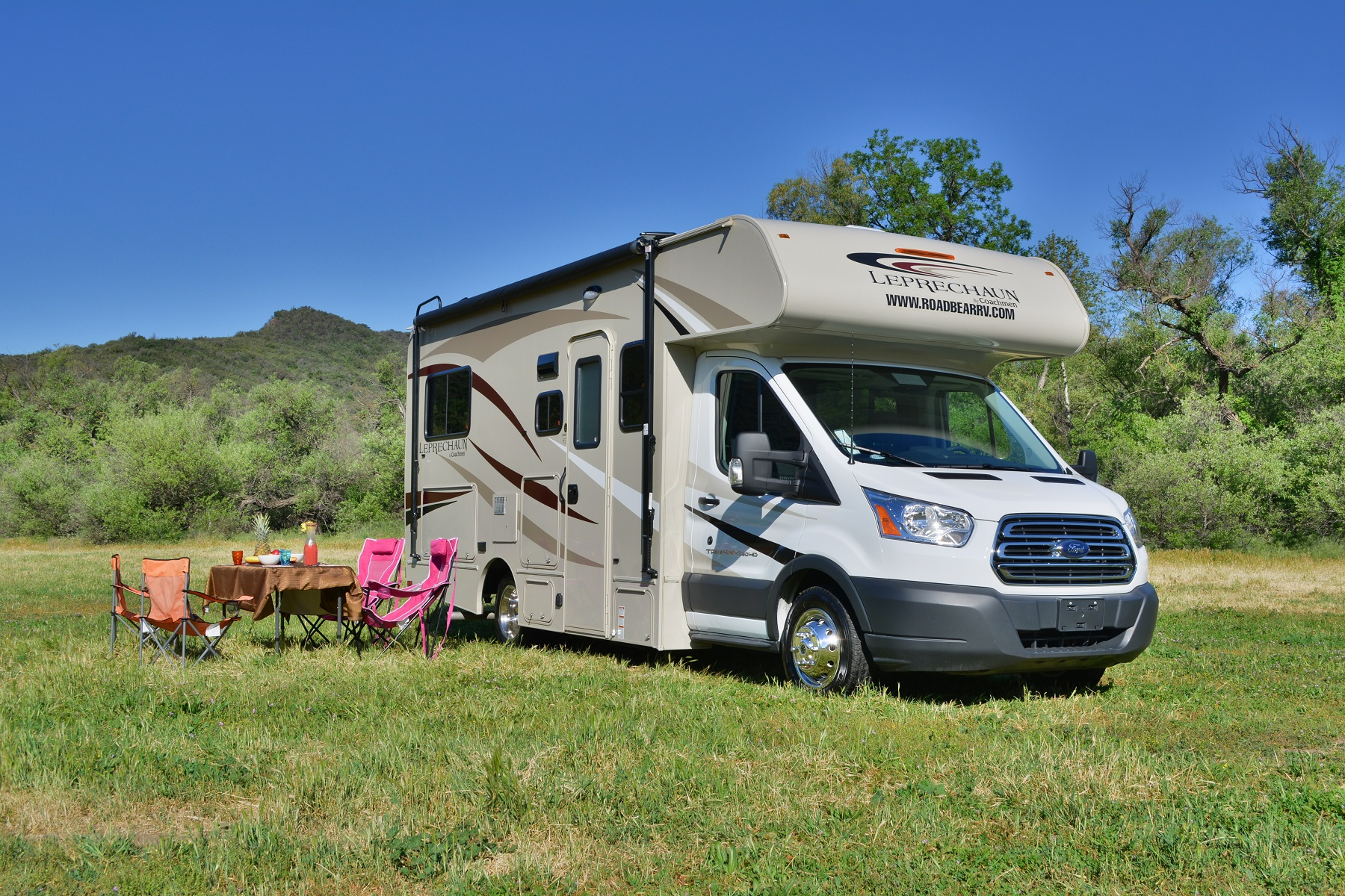 21 23 ft class c non slide motorhome rv rental usa for Motor homes to rent