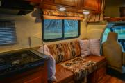Camper1 Alaska 23ft Class C Freelander Gold