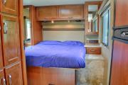 Star Drive RV USA 30-32 ft Class A  Motorhome with slide out rv rental california