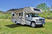 Star Drive RV USA 22-24 ft Class C Non-Slide Motorhome rv rental california