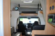 Deluxe 6 Berth Mercedes Benz campervan hire - new zealand