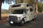 28-30 ft Class C Motorhome with slide out rv rental florida