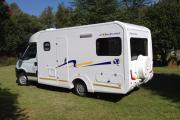 Energi Campers South Africa Discoverer 4 - Auto camper hire south africa