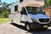 Advance Campervan Rental Mercedes Deluxe - 6 Berth Winnebago Van