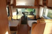 Freedom Holiday Large Motorhome - Katamarano 6 camper hire italy