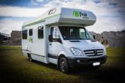 Deluxe 6 Berth Mercedes Benz new zealand airport campervan hire