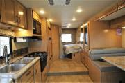 Expedition Motorhomes, Inc. 25ft Class C Thor Chateau w/1 slide out Ma motorhome rental usa