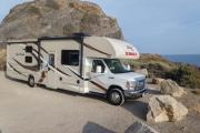 El Monte RV (International Value) FS31 Class C Motorhome Slide-out motorhome rental los angeles