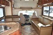 Expedition Motorhomes, Inc. 30ft Class C Thor Four Winds w/1 slide out rv rental los angeles