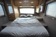 Expedition Motorhomes, Inc. 30ft Class C Thor Chateau w/1 slide out N motorhome rental los angeles